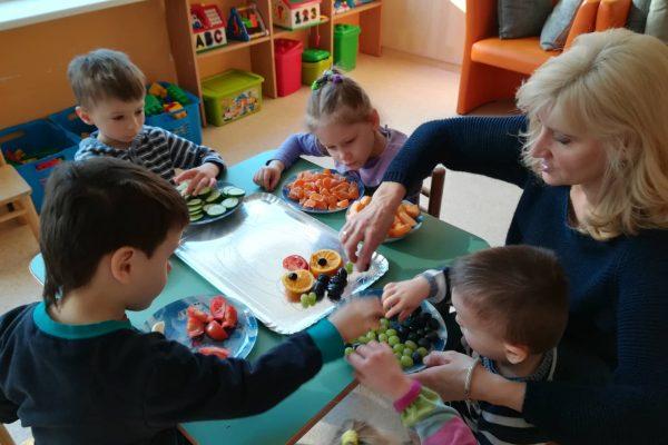 """Projektinė veikla """"Vaisių, daržovių dėlionė Pelėda"""" (2)"""