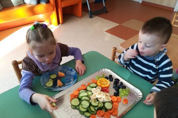 """Projektinė veikla """"Vaisių, daržovių dėlionė Pelėda"""" (6)"""