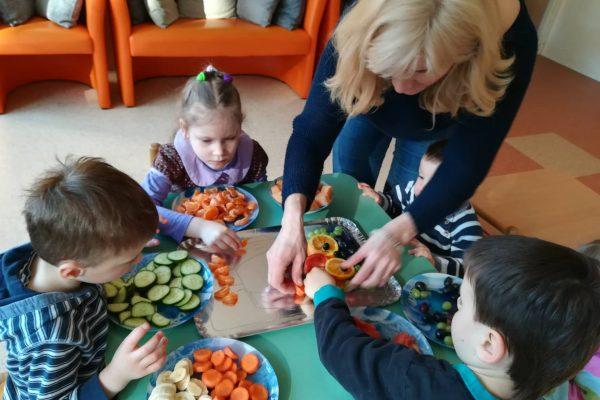 """Projektinė veikla """"Vaisių, daržovių dėlionė Pelėda"""" (3)"""